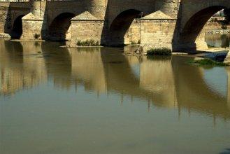 Puente de Piedra / Stone bridge